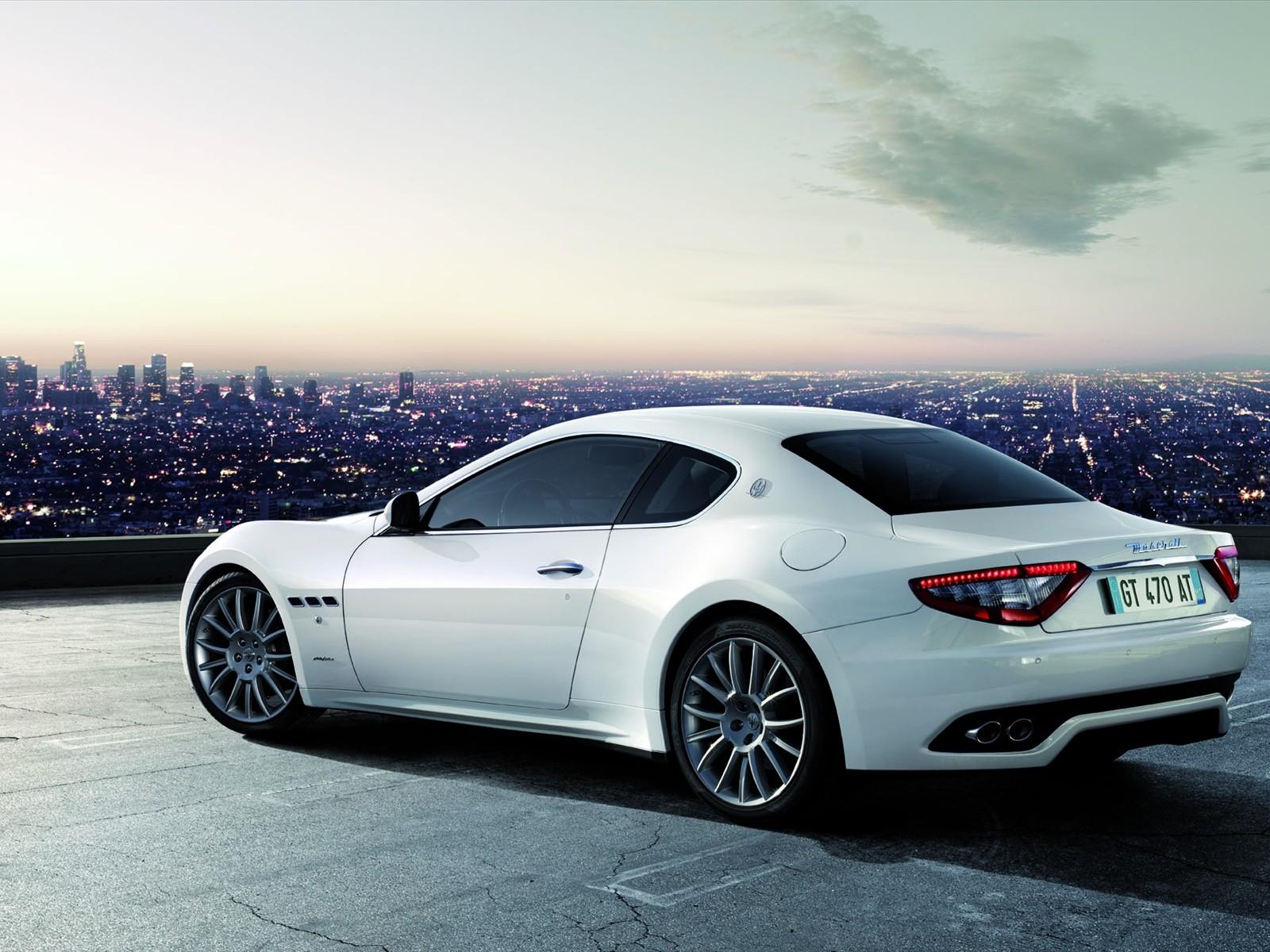 7353642010-Maserati-GranTurismo-S-Automatic-01