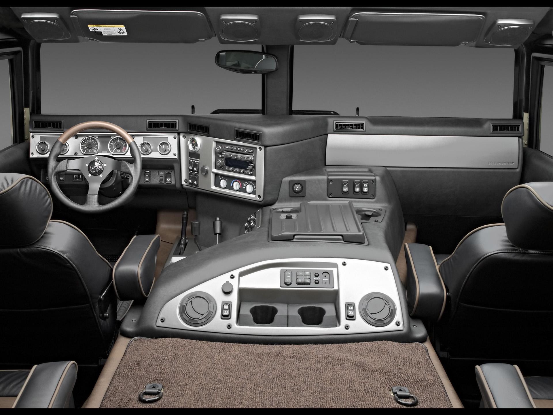 2004 Hummer H1 Interior. X04HM_H1014