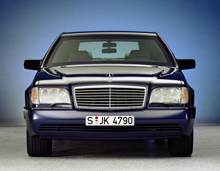 Mercedes-Benz-W140-28