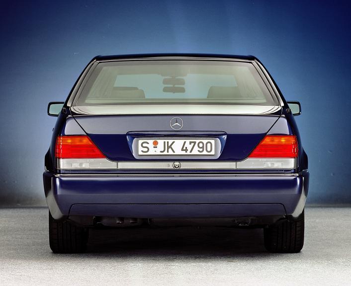 Mercedes-Benz-W140-29