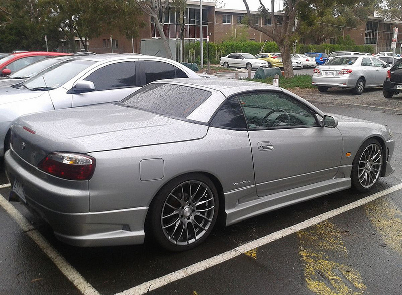 Nissan-Silvia-S15-rq