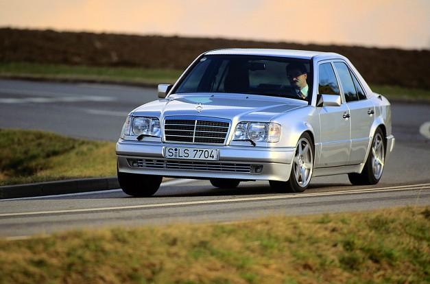 1995-Mercedes-Benz-E500-500E-2-627x414
