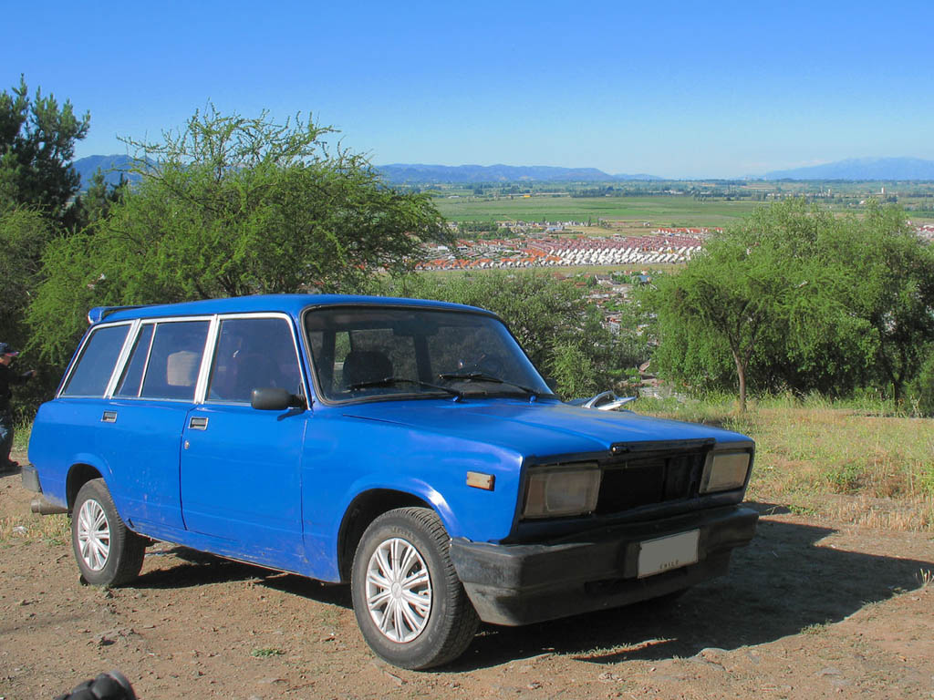 Lada_21043_1300_Combi_1991_in_Chile