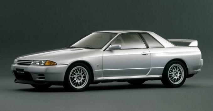 Nissan_Skyline_R32_top