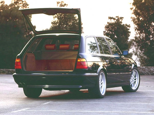 BMW_M5_Wagon_1992