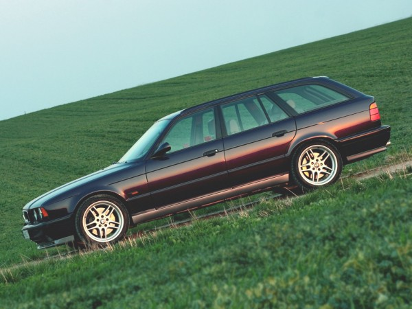 BMW_M5_Wagon_1992_3
