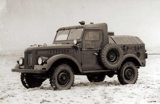 GAZ-69-APA-12