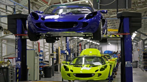 120307-final-assembly-at-lotus-cars-factory-hethel-norfolk-credit-brian-snelson-from-flickr-560x315