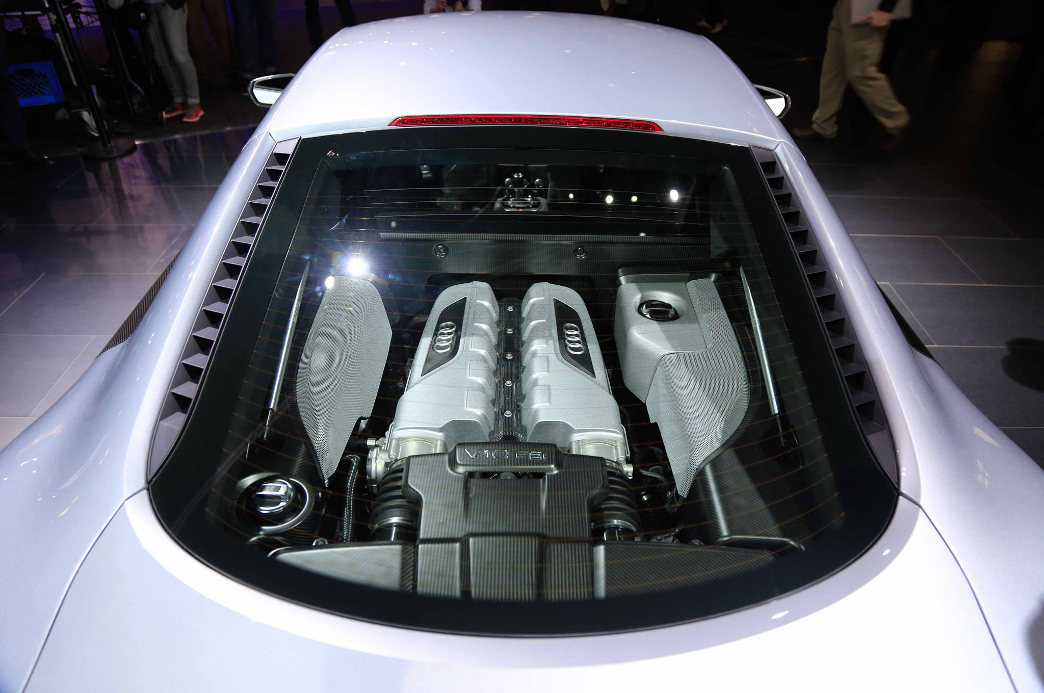 2015-audi-r8-competition-edition-engine