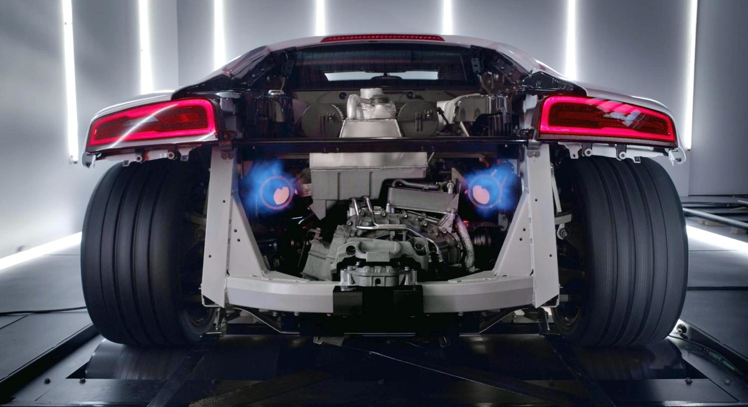 roaring-audi-r8-engine-video